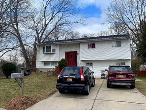 Bay Shore Home, NY Real Estate Listing