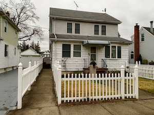 West Hempstead Home, NY Real Estate Listing