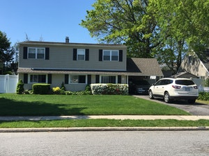East Meadow Home, NY Real Estate Listing