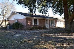 Waldo Home, AR Real Estate Listing