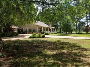 Waldo Home, AR Real Estate Listing