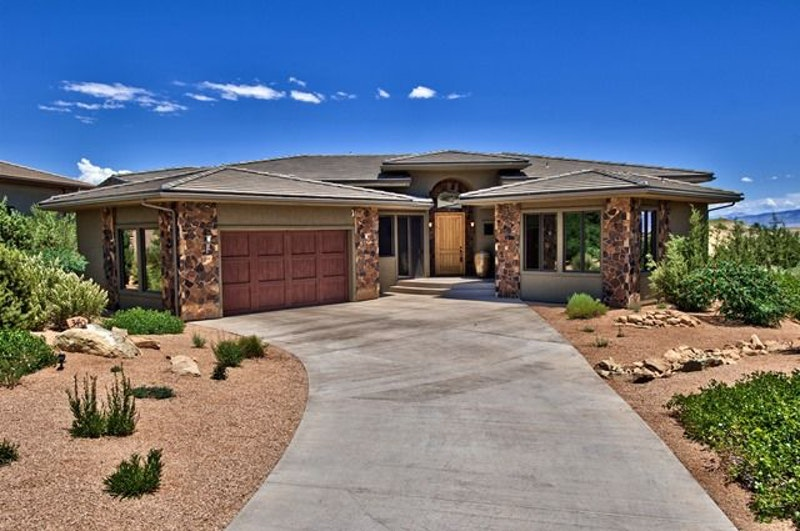 Golfers dream house 340 iron horse court grand junction co for Colorado dream home