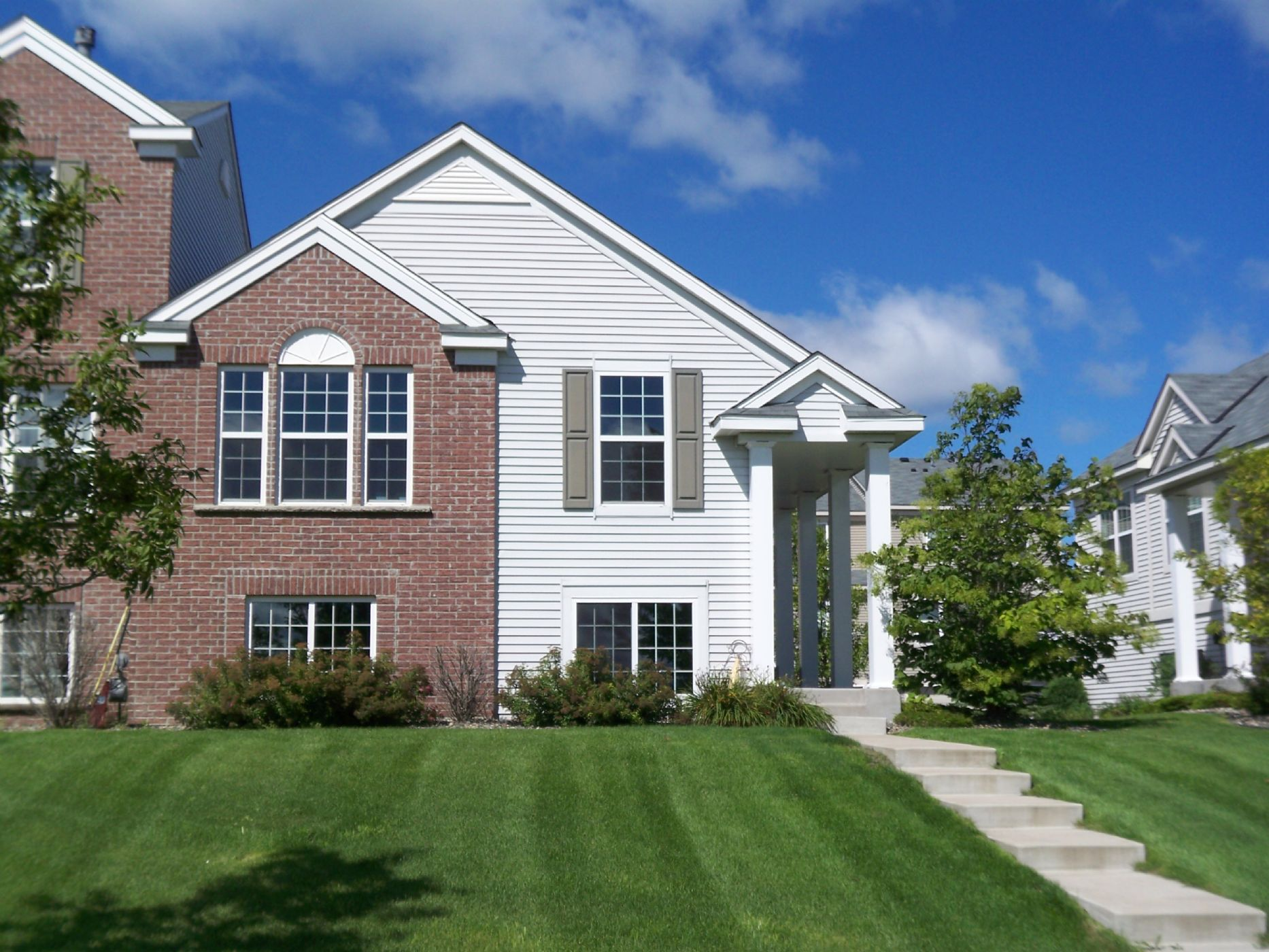 Shakopee Home, MN Real Estate Listing
