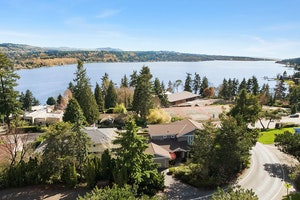 Mercer Island Home, WA Real Estate Listing