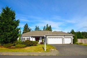 Graham Home, WA Real Estate Listing