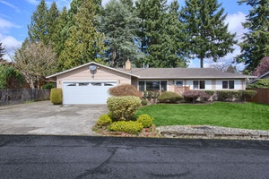 Seatac Home, WA Real Estate Listing
