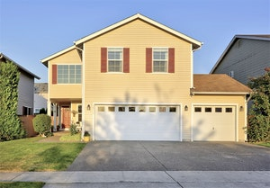 Puyallup Home, WA Real Estate Listing