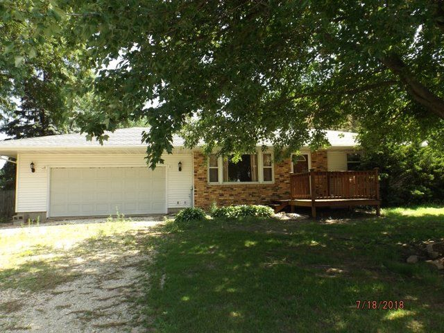 Tampico Home, IL Real Estate Listing