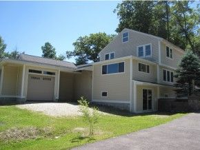 Derry Home, NH Real Estate Listing