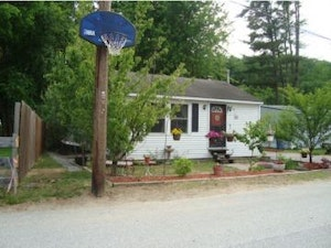 Goffstown Home, NH Real Estate Listing