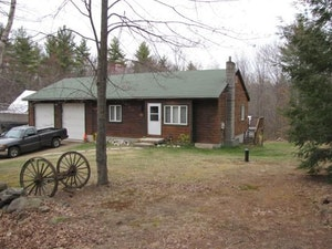 Candia Home, NH Real Estate Listing
