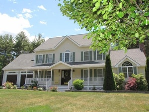 Londonderry Home, NH Real Estate Listing