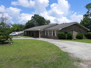 Thomasville Home, AL Real Estate Listing