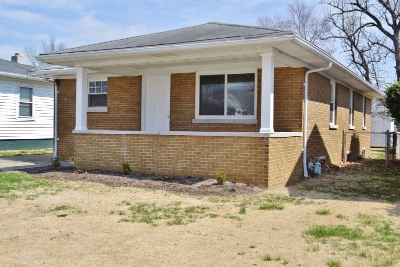 Evansville Home, IN Real Estate Listing