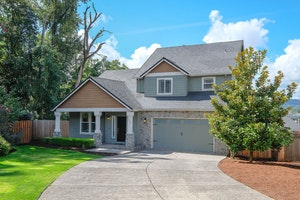 Oregon City Home, OR Real Estate Listing