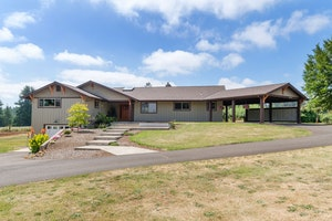 Beavercreek Home, OR Real Estate Listing