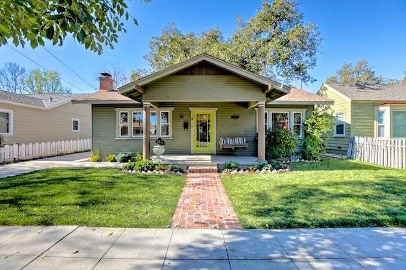 1922 craftsman bungalow 138 n b st tustin ca for California bungalow vs craftsman