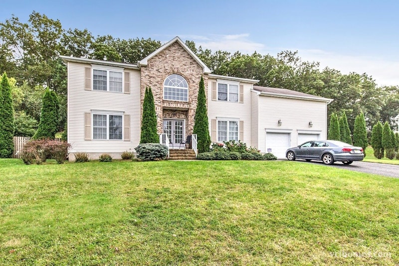 Eatontown Valley Forge Area Home For Sale 66 Georgetown